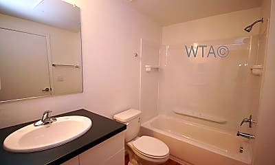 Bathroom, 1654 Post Rd, 2