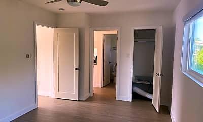 Bedroom, 150 E 21st St, 2