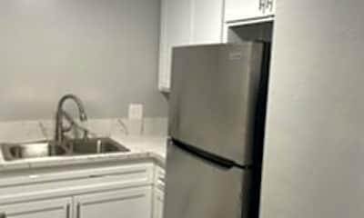 Kitchen, 4270 Myrtle Ave, 1