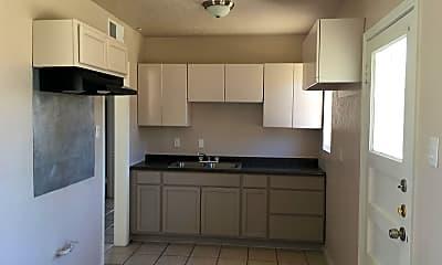 Kitchen, 7535 Yuma Dr, 1