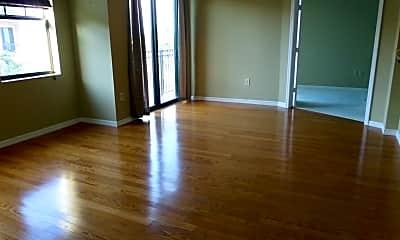 Living Room, 511 Lucerne Ave 519, 0