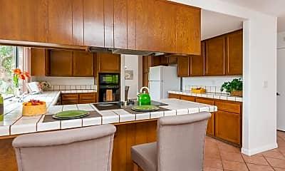 Kitchen, 3904 Palm Dr, 2
