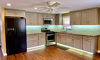 Kitchen, 20 Hillview Ave 2, 1