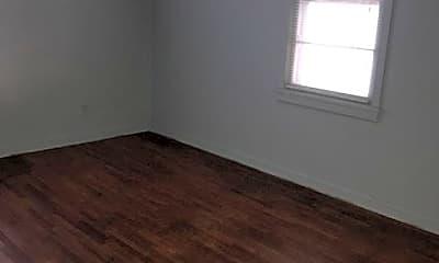 Bedroom, 4910 W Maple St, 2