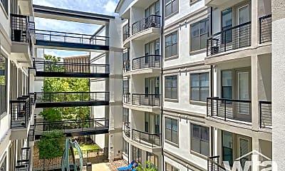 Building, 127 E Riverside Dr, 2