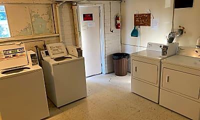 Kitchen, 311 Carlston St, 2
