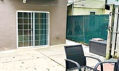 Patio / Deck, 983 N 5th St, 2