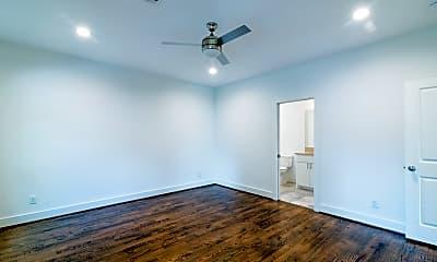 Bedroom, 609 Boundary St, 1