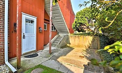 Patio / Deck, 435 1st Ave, 1