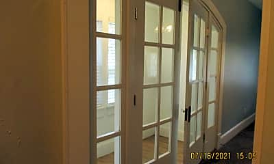Bathroom, 315 Potomac Ave, 2