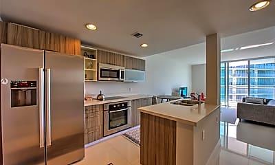 Kitchen, 6700 Indian Creek Dr 503, 1