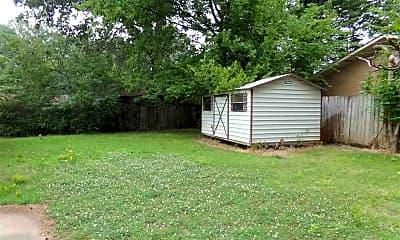 Building, 39 Hatfield Dr, 2