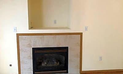Living Room, 1101 NE Beaumont Ln, 1