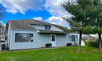 Building, 819 Windstream Way, 1