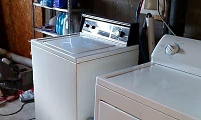 Kitchen, 407 1/2 S Lincoln St, 2