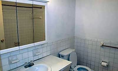 Bathroom, Parkview Manor Apartments, 2