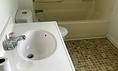 Bathroom, 806 W Linn St, 0