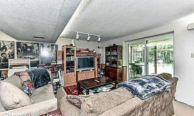 Living Room, 3045 Promenade Pl, 2
