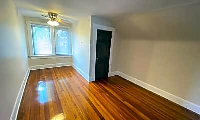 Living Room, 252 King Ave, 2