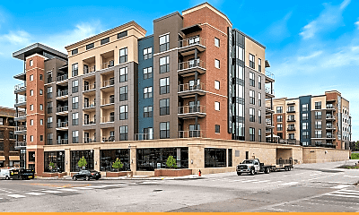 Building, 531 Grand Boulevard, 2