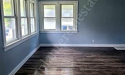 Living Room, 1436 Walbridge Ave, 1