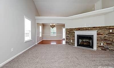 Living Room, 2636 Danbury Cir, 1