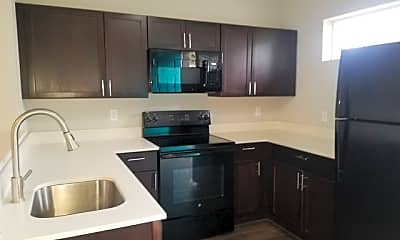 Kitchen, 503 W Kings Hwy 101, 2
