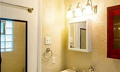 Bathroom, 8369 Big Bend Blvd, 1