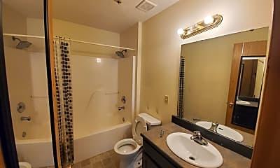Bathroom, 2940 W Olive St, 2