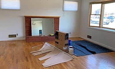 Living Room, 1022 24th St W, 1