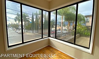 Patio / Deck, 4425 W Maplewood Ave, 1
