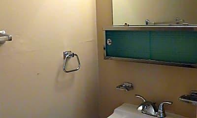Bathroom, 39 Lima St, 2
