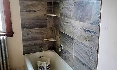 Bathroom, 4542 N Kilbourn Ave, 1