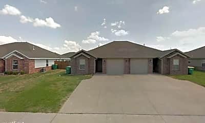 Building, 926 Oakwood Ln, 0