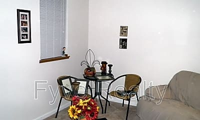 Living Room, 6522 Crab Apple Dr, 2
