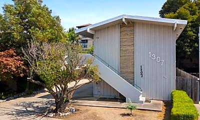 Building, 1307 San Carlos Ave 5, 0
