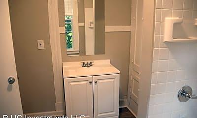 Bathroom, 142 E Fourth St, 2