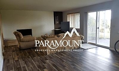 Living Room, 4751 SE Horstman Rd, 2