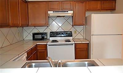 Kitchen, 6336 W Airport Blvd 633, 1