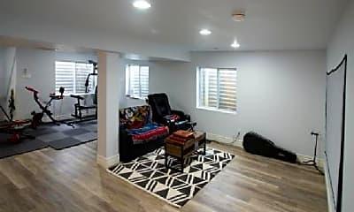 Living Room, 4448 White Oak Ct, 2