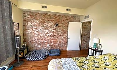 Living Room, 4402 Chestnut St, 2