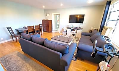 Living Room, 1 Jefferson Ave E7, 0