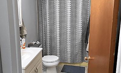 Bathroom, 750 Chestnut St, 2