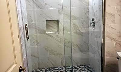 Bathroom, 8403 Kittama Dr, 2