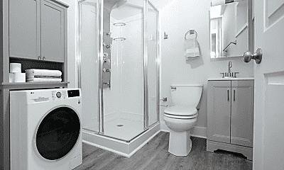 Bathroom, 5509 Bloyd St, 2