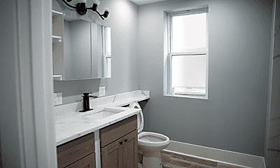 Bathroom, 4151 W Washington Blvd, 2