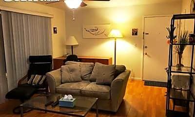 Living Room, 820 Williams Way, 1