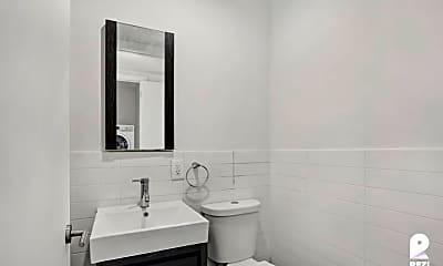 Bathroom, 18-23 Cornelia St #3L, 2