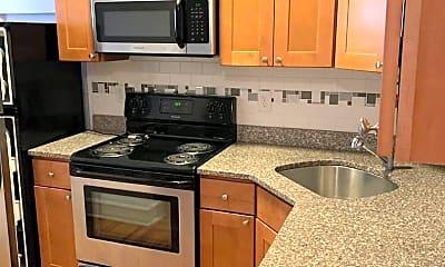 Kitchen, 1106 W Franklin St, 1