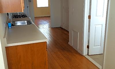Kitchen, 4613 Woodland Ave, 0